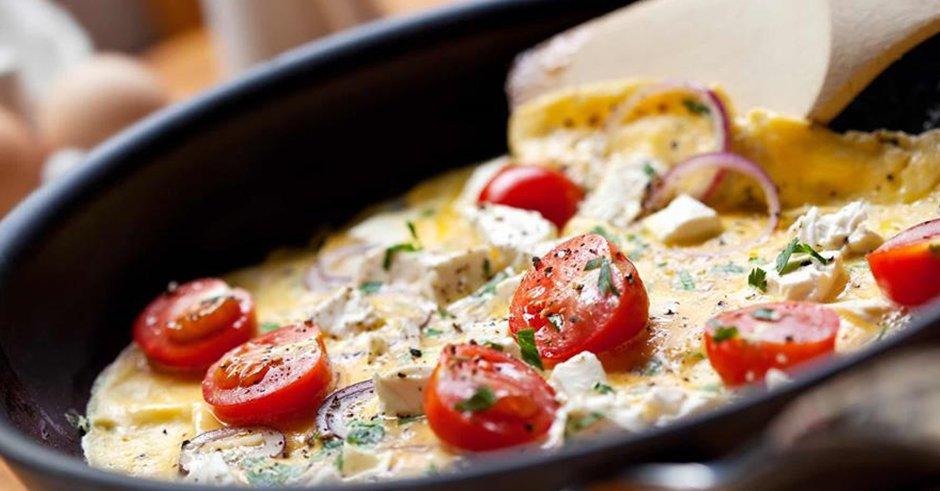 طرز تهیه املت با پنیر
