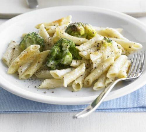 پاستا بروکلی؛ غذای ساده برای کودکان
