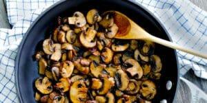 بهترین روش سرخ کردن قارچ بدون نیاز به روغن و کره