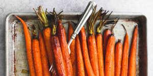 طرز تهیه هویج کبابی طعمدار و خوشمزه به سه روش