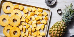 روش بریدن آناناس