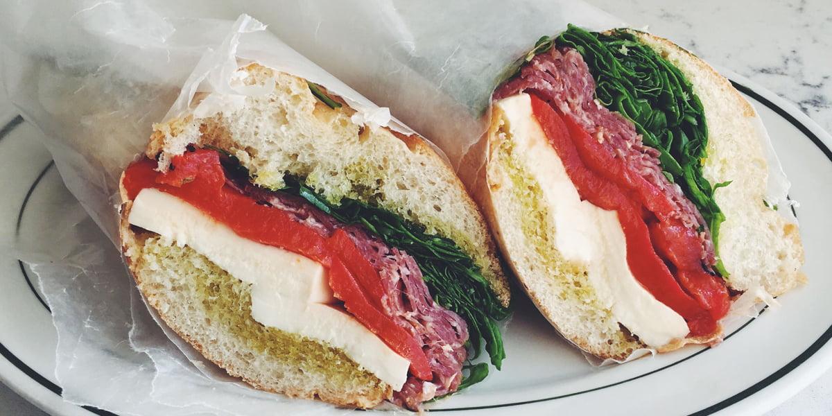 طرز تهیه ساندویچ سرد سالامی