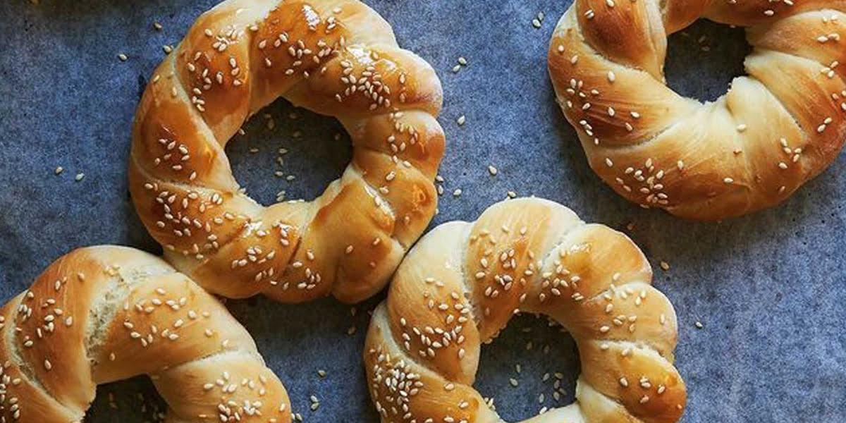 طرز تهیه نان یونانی