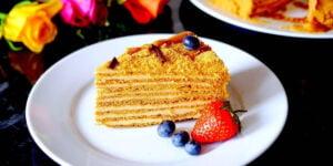 مدوویک کیک عسلی روسی