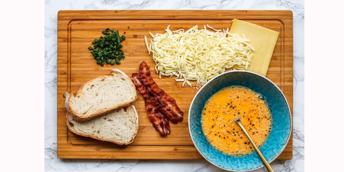 نان و پنیر مخصوص با بیکن