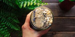 شیک پروتئینی کره بادام زمینی و ژله