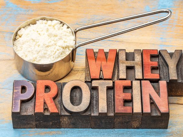 مضرات پروتئین وی