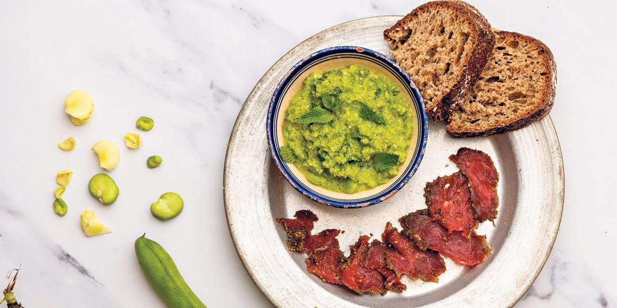 طرز تهیه فیله گوشت کبابی و سس پستو با باقالی