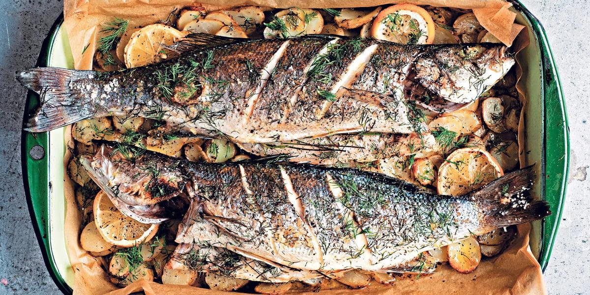 طرز تهیه ماهی قزلآلا با دورچین مخصوص