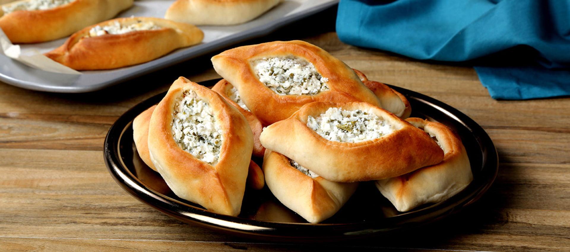 فطایر پنیر لبنانی