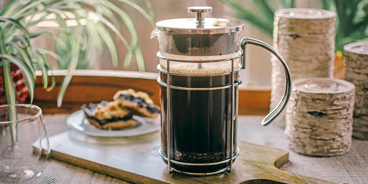 تهیه قهوه با فرنچ پرس