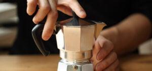 تهیه قهوه در موکاپات
