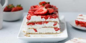 طرز تهیه کیک یخچالی با خامه