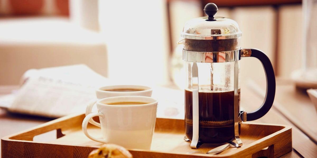 تهیه قهوه بدون قهوه ساز با کمک چند روش ساده