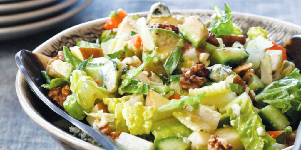 تهیه سالاد سبزیجات با پنیر