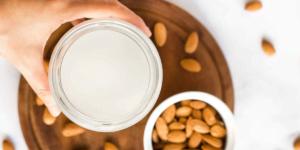 طرز تهیه شیر بادام وگان