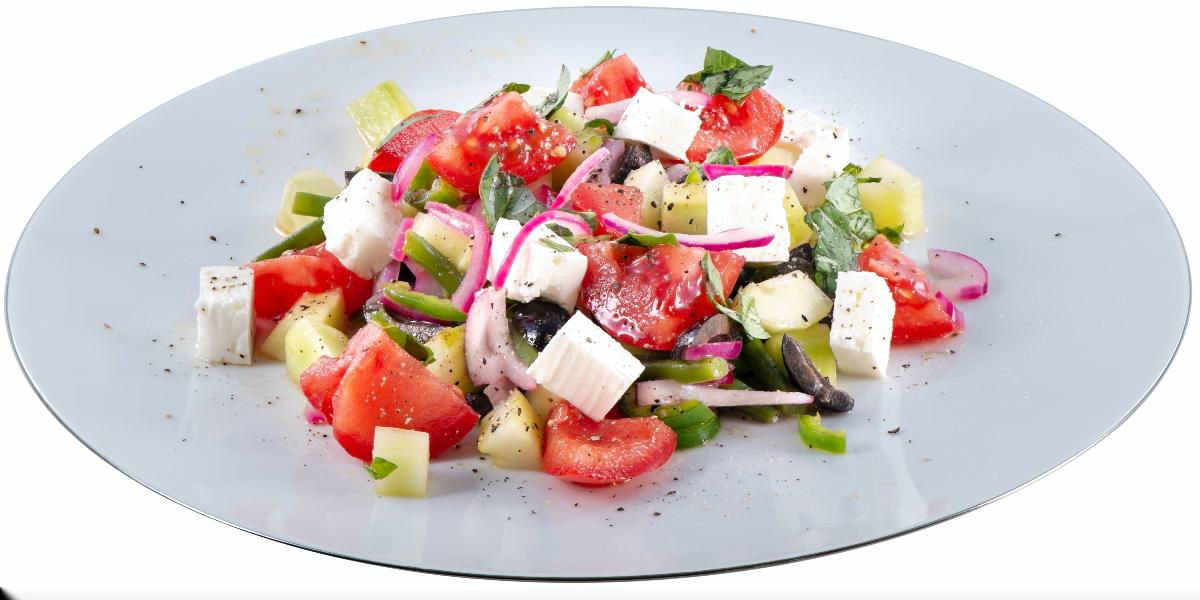 طرز تهیه سالاد یونانی با پنیر