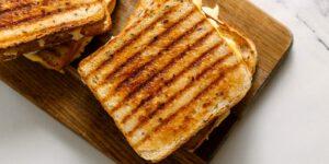 طرز تهیه ساندویچ مرغ با پنیر پنج ستاره آمل