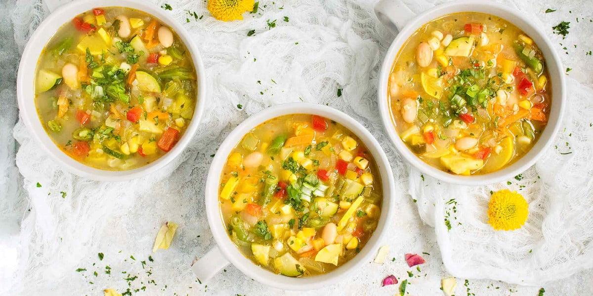 طرز تهیه سوپ گیاهی با شیر نارگیل