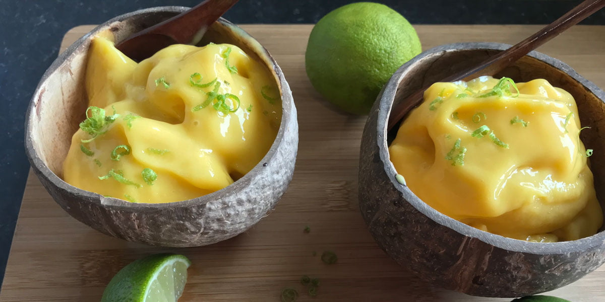 طرز تهیه ماست بستنی انبه و لیمو
