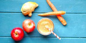 طرز تهیه آب سیب و هویج