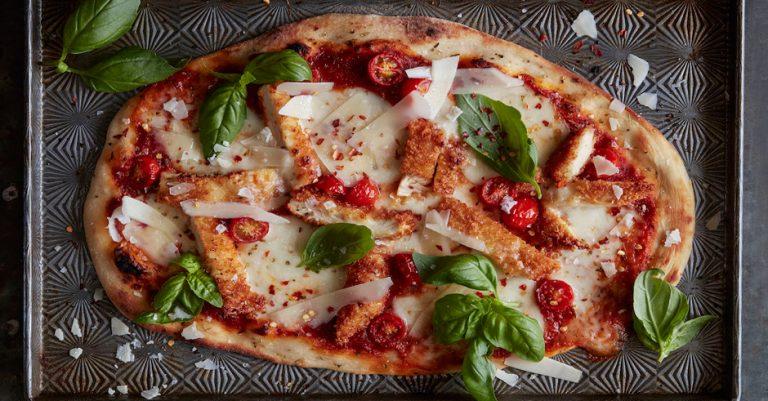 پیتزا چیکن پارمسان