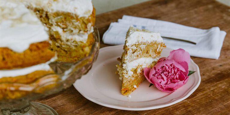 کیک هویج و دارچین خانگی